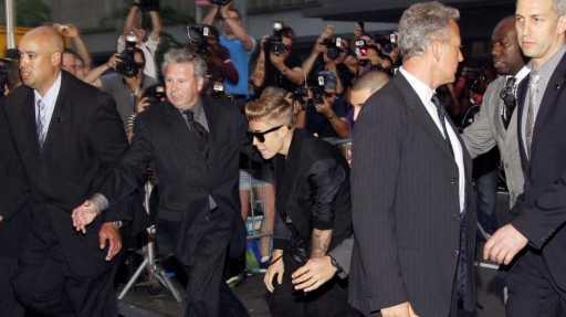 Justin-Biebers-bodyguards-accused-of-battery-at-Hollywood-Hookah-lounge-Emag