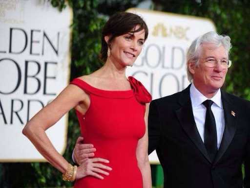 Richard Gere hands over keys to NY restaurants
