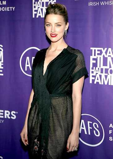 Amber Heard Shows Off Engagement Ring With Johnny Depp at Texas Film Awards