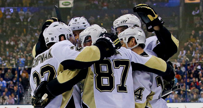 Pittsburgh Penguins celebrate Chris Kunitz's opening goal