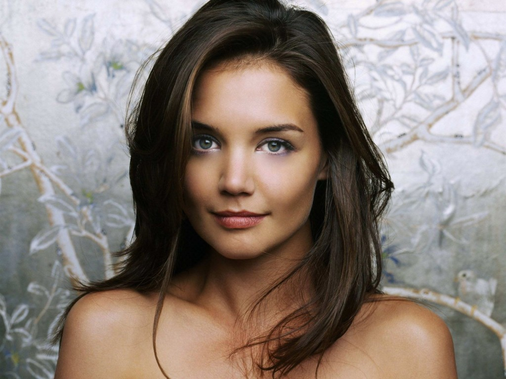 Katie Holmes returning to TV as a Manhattan socialite in ABC pilot