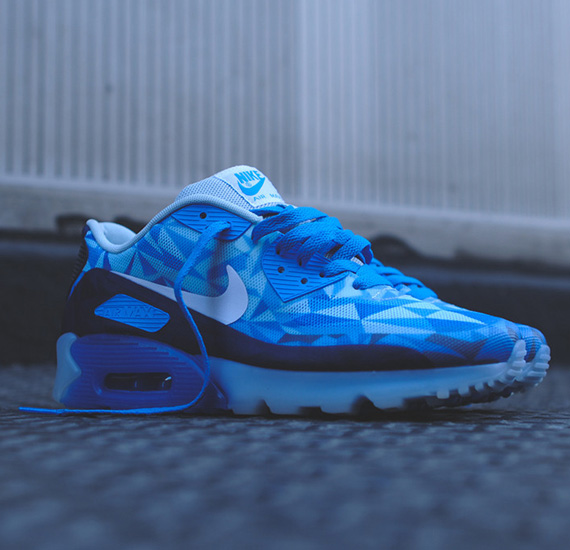 "Nike Air Max 90 ICE ""Barely Blue"""