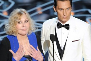 Kim Novak Says She 'Didn't the Leave the House' For Several Days Following Oscar Insults