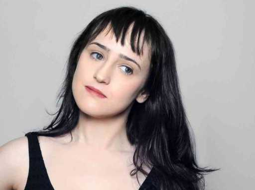 Mara Wilson criticizes 'Mrs. Doubfire' sequel on Twitter