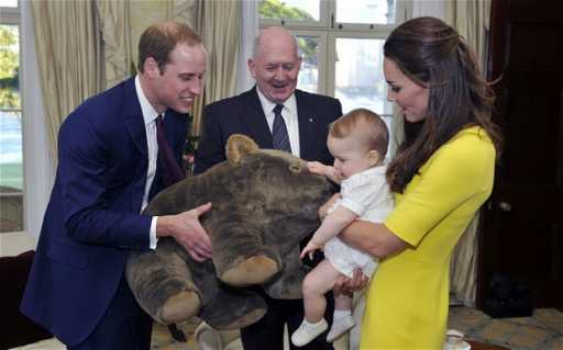 Prince George receives giant toy wombat on arrival to Australia