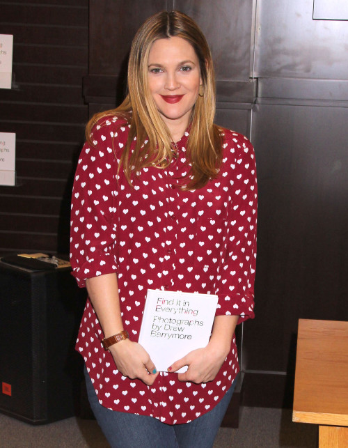 Pregnant Drew Barrymore Signing Copies Of Her New Book 'Find It In Everything'