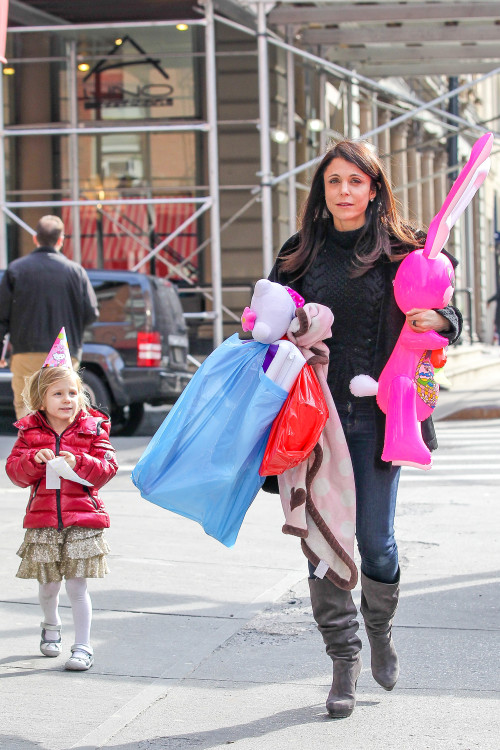 Bethenny Frankel and Bryn Hoppy join their friends for a Bday party