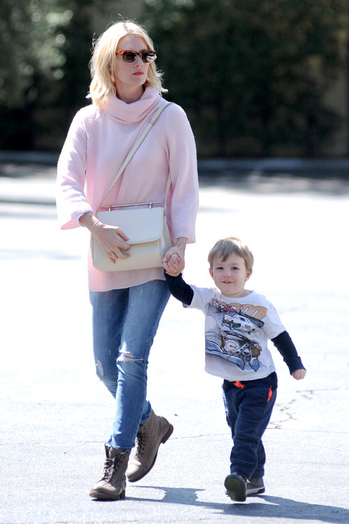 Xander keeps his mom January Jones company on her Errand Run **USA ONLY**