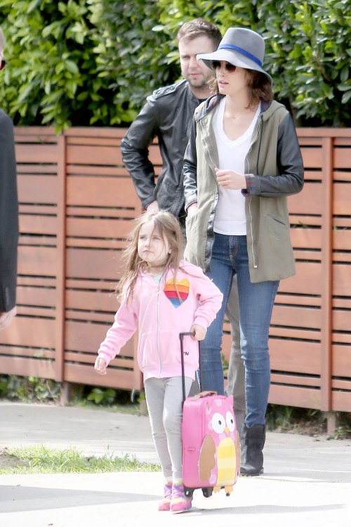 *EXCLUSIVE* Cobie Smulders and her family leave home for New York **USA ONLY**