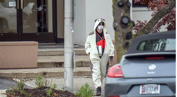 Man Oddly Dressed Shot Outside Baltimore TV Studio; Wanted Airing Information He Carried