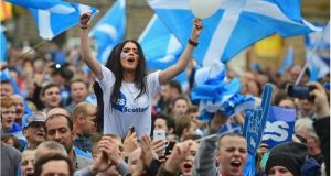 YES Supporters Campaign For Independent Scotland
