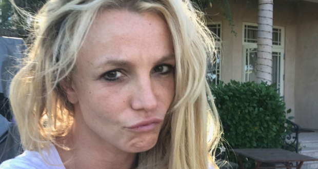 Britney mistakenly shares photoshop fail photo on Instagram