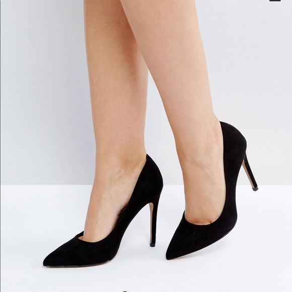 black high heels Classic Fashion Pieces That Never Go out of Style